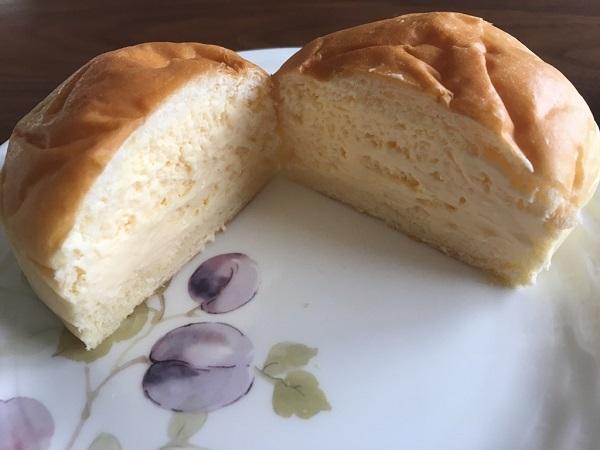 八天堂のくりーむパン、カスタード