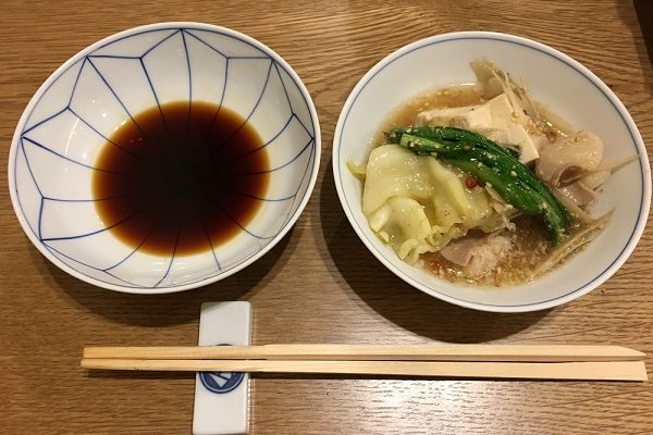 博多若杉のもつ鍋とポン酢