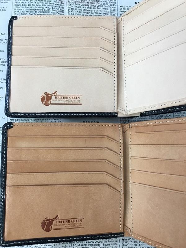 名入れ無料のグレンチェックのブライドルレザー二つ折り財布の内装