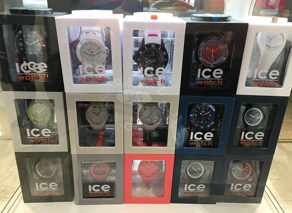 モスクワ・シェレメチボ空港の免税売店で販売されていたアイスウォッチ(ice-watch)