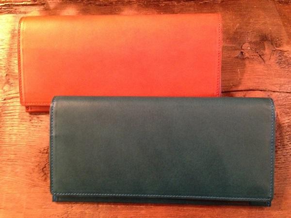 アヤメアンティーコ(AYAME ANTICO)の財布『16タスキーネ ポルタフォーリオ』