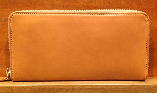 ココマイスターのヌメ革を使用したパティ―ナシリーズの長財布