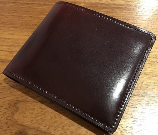 ココマイスターのコードバンを使用した財布