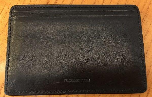 ココマイスターのパスケース『マットーネパスケース』の裏側
