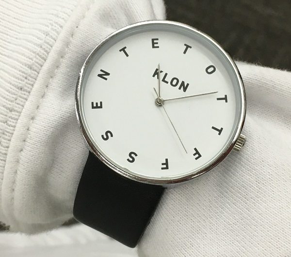 KLON(クローン)の社員Y女史の腕時計