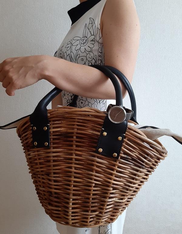 VEJRHØJ(ヴェアホイ)の腕時計