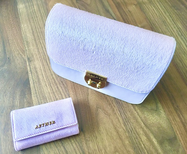 エーテルのバッグとキーケース